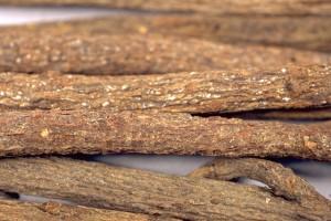 Racines de réglisse (Secrets de plantes)