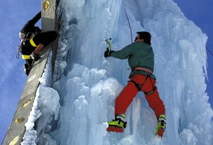 escalade de cascade de glace © Montagnes