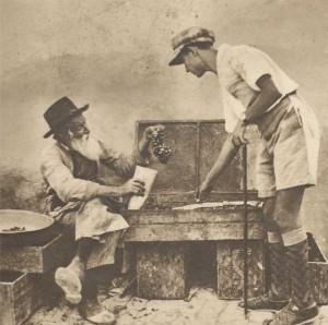 Le retour à la Terre promise - L'Illustration 1933 (vieux Juif orthodoxe et jeune pionnier)