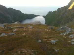 Moskenes: un des multiples ponts qui évitent de faire le tour des fjords- Descente du Munkebu 4 h du matin