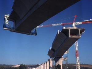 Viaduc de Ventabren, pont ferroviaire à poutre en béton précontraint