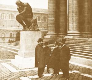Un essai artistique, le penseur de Rodin devant le Panthéon en 1880