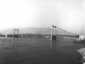 Le pont de Tournon
