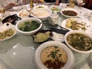 un repas dans le Guizhou